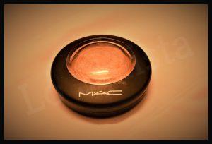 makeup essentials list